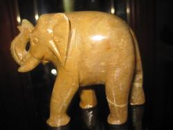 Faragott kő,,szerencse elefánt !