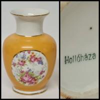 Hollóházi rózsamintás kis porcelán váza (1884)