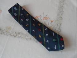 Kék mintás nyakkendő