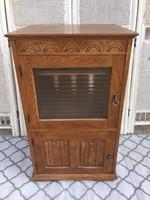 Különleges kis Komód, zene szekrény, teteje felnyitható belsejében fiókok is vannak