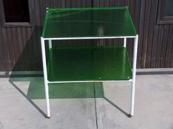 Mutatós műszerasztal, kerti asztal, gurulós, zöld üveg polcok