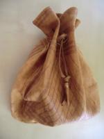 Bőr szütyő világos barna összehúzható zacskó tasak tárolásra is 27x30 cm