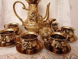 Arany színű teás készlet