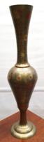 Festett vésett réz váza