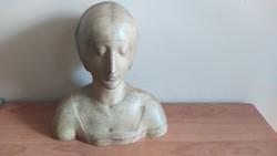 Gipsz szobor (Gizella?)