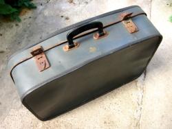 Retro Kazeto cseh papírbőrönd