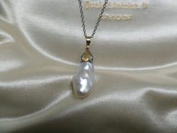 Gyöngy medál gyémántos arany szerelékkel