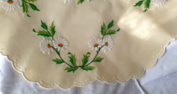 Daisy pattern, hand embroidered tablecloth set, new