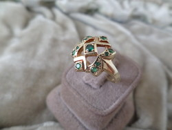 Emerald gold star ring