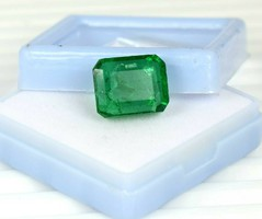 Beautiful green emerald with 12.80Ct certificate more products from 1 ft!