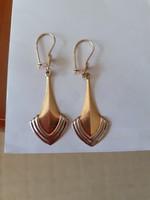 14 carat dangling gold earrings