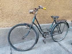 Veterán kerékpár,dekorációnak!