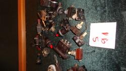 S21-91   műanyagból- bakelitból  készült kapcsolók