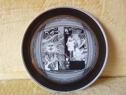 Saxon endre wall plate.