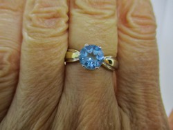 Very beautiful old 18kt gold ring with real blue topaz stone