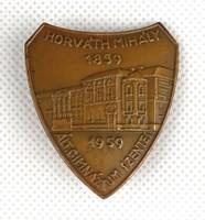 1F954 Szentesi Horváth Mihály Gimnázium réz kitűző 1859-1959