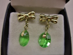 Beautiful old gold earrings with amazing emerald green antique crystals