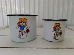 Old enameled baby mug couple_baby girl