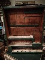Fali szerszám tároló, régi műhelyszekrény