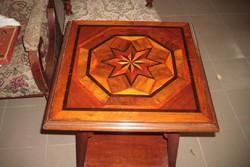 Art -Deco stílusú intarziás szalon asztal