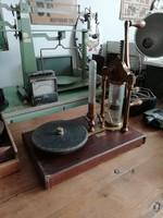 Laboratóriumi szemléltető pumpa, vákuum pumpa, dekoráció