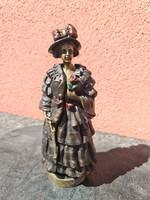 Kinyitható ruhás bronz hölgy kalapban