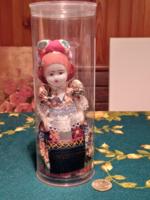 Folk art doll in a box (gb16 / 2-16)