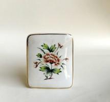 Hollohazi porcelain decoration