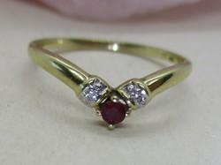 Very beautiful genuine ruby and diamond gold ring