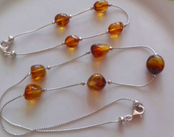 Silver chain-bracelet set with amber