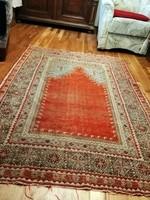 Antique Turkish prayer rug 170 x 125 cm