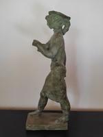 Jenő Kerényi: small sculpture with scarlet radish