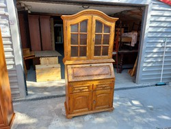 Oak showcase secretary for sale in beautiful condition.