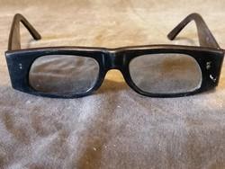 Napszemüveg retró