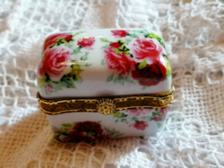 Pink ring box or medicine box