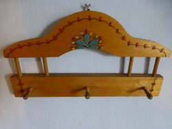 Wooden pattern hanger with Hungarian pattern