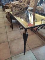 Viktorianus fém, üveg dohányzóasztal