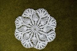 Horgolt csipke kézimunka lakástextil dekoráció kis méretű terítő asztalközép 10,5 cm