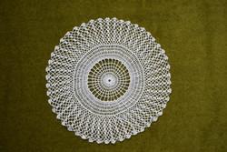 Horgolt csipke kézimunka lakástextil dekoráció kis méretű terítő asztalközép nipp alátét 24 cm
