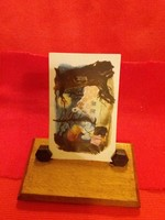 Old table photo holder made of wood, the picture is just decoration according to the pictures