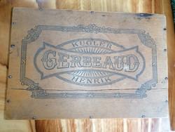 Gerbeaud - kugler henrik cake in wooden box