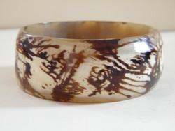 Bracelet made of horn, bracelet