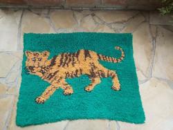 Retro animal suba, artificial raffle tapestry wall protector nostalgia piece