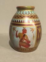 Zsolnay váza Tutanhamon-sorozatból.