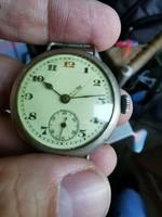 1 World War II trench clock, works great! 33 Mm. Kn
