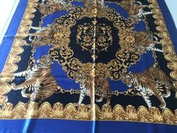 100% selyem kendő tigris mintával, 85 x 86 cm