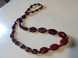 Retro necklace made of 52 cm, beautiful burgundy-tabby glass beads.