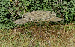 Garden set - (1 table + 2 chairs)