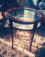 Showcase table, in good condition. Bargain!