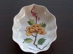 Beautifully shaped ornate large rose raven house porcelain serving, centerpiece, bowl
